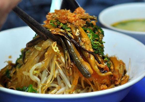 Ở Hà Nội, bạn có thể thưởng thức miến lươn chuẩn vị Nghệ ở đâu?