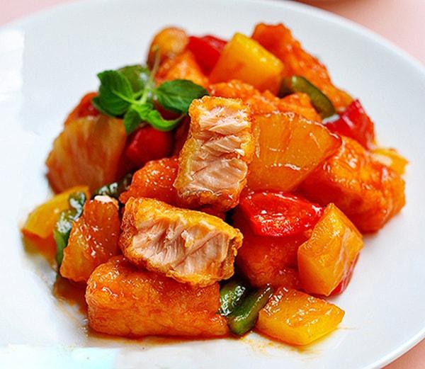 Cách nấu cá hồi sốt cà chua đậm đà cho bữa ăn gia đình