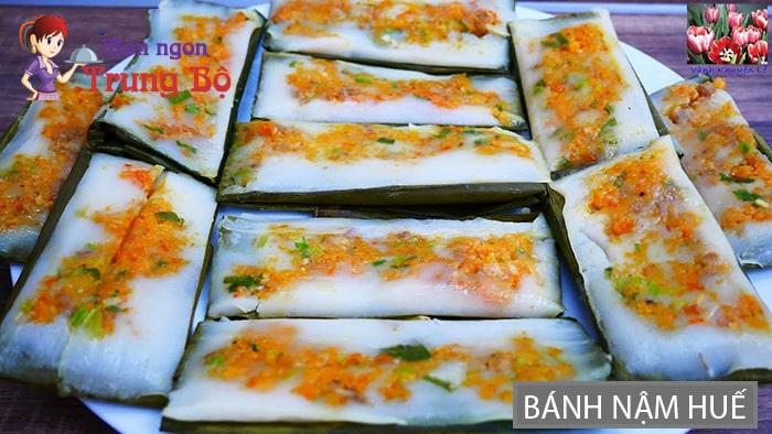 Bánh nặm là một loại bánh đặc trưng của xứ Huế