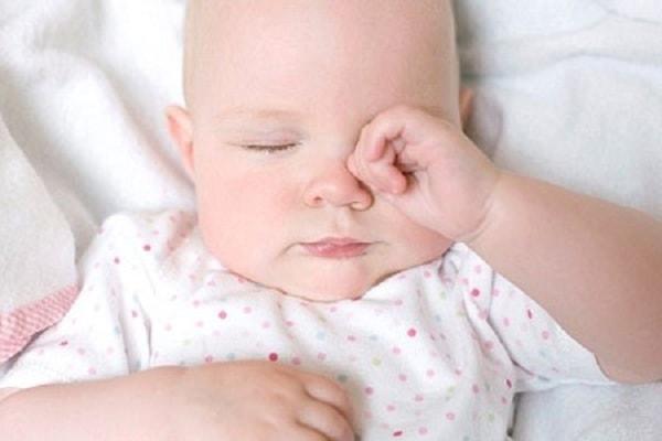 nguyên nhân gây khó ngủ ở trẻ sơ sinh 1