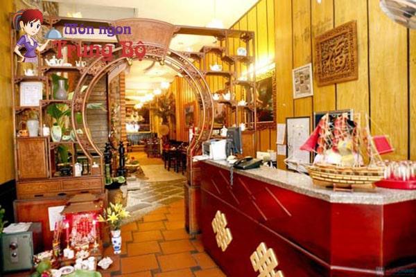 Trăng Vĩ Dạ là nhà hàng món Huế vô cùng nổi tiếng trên đường Nguyễn Khuyến