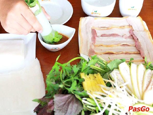 quán bánh tráng cuốn thịt heo ngon ở Hà Nội 6