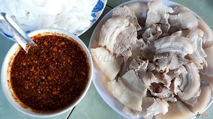 Bánh ướt thịt heo Quảng Trị