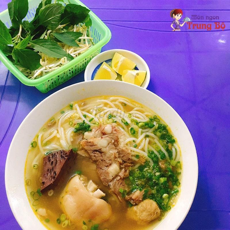 Bún bò Huế số 19, ngõ 91 Nguyễn Chí Thanh