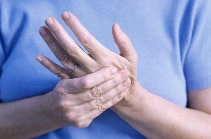 Viêm khớp là căn bệnh cả ở trẻ em lẫn người lớn đều có thể mắc